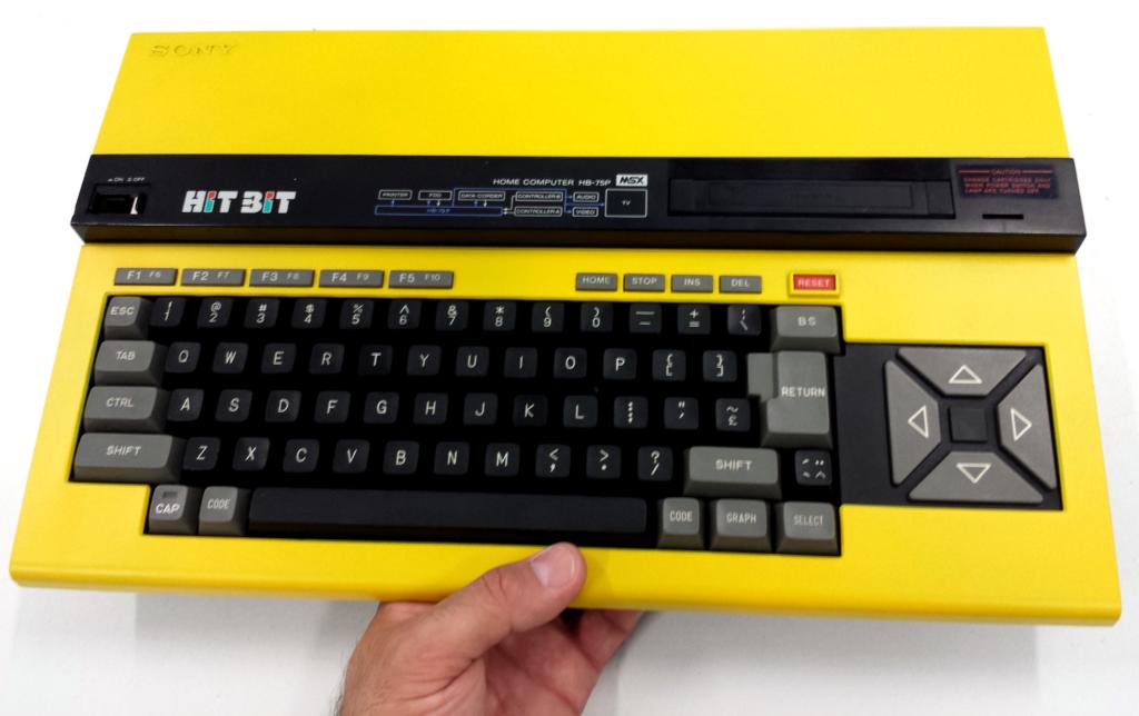 Ordenador MSX Sony Hit Bit 75p amarillo (HB-75p)